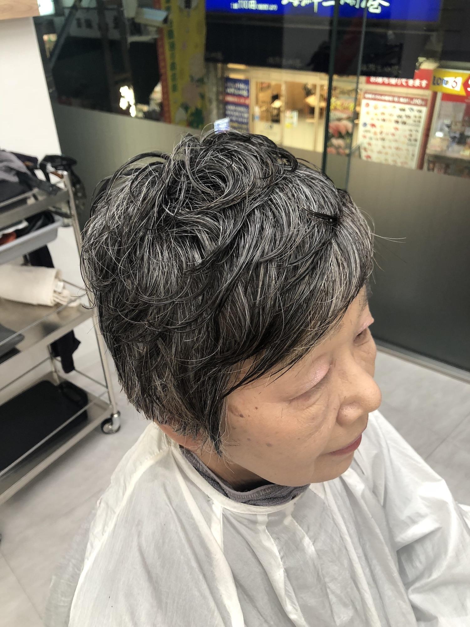 60代女性おしゃれヘアスタイル