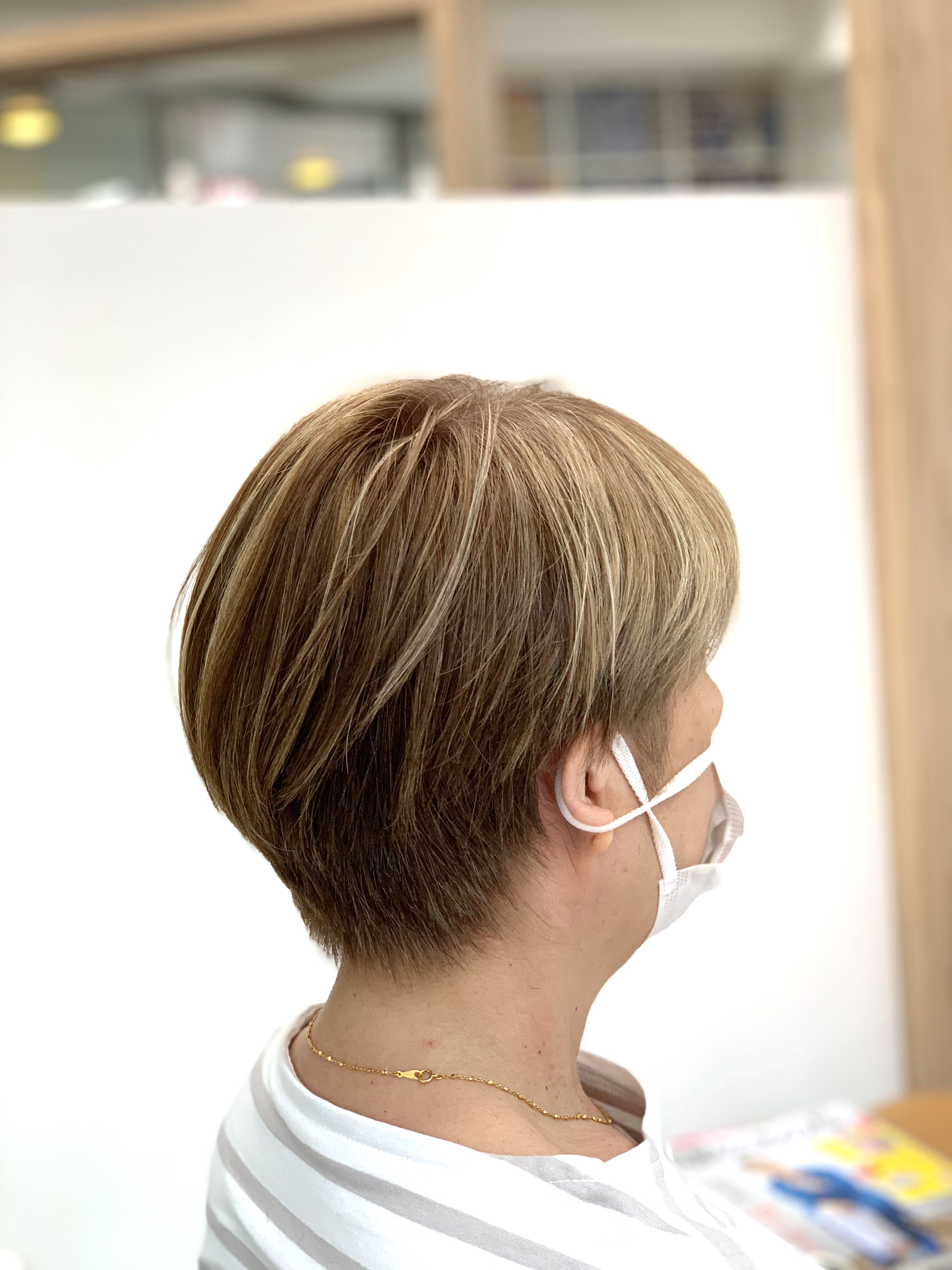 [2021最新]白髪を明るく染める事はできます。美容師が解説します。