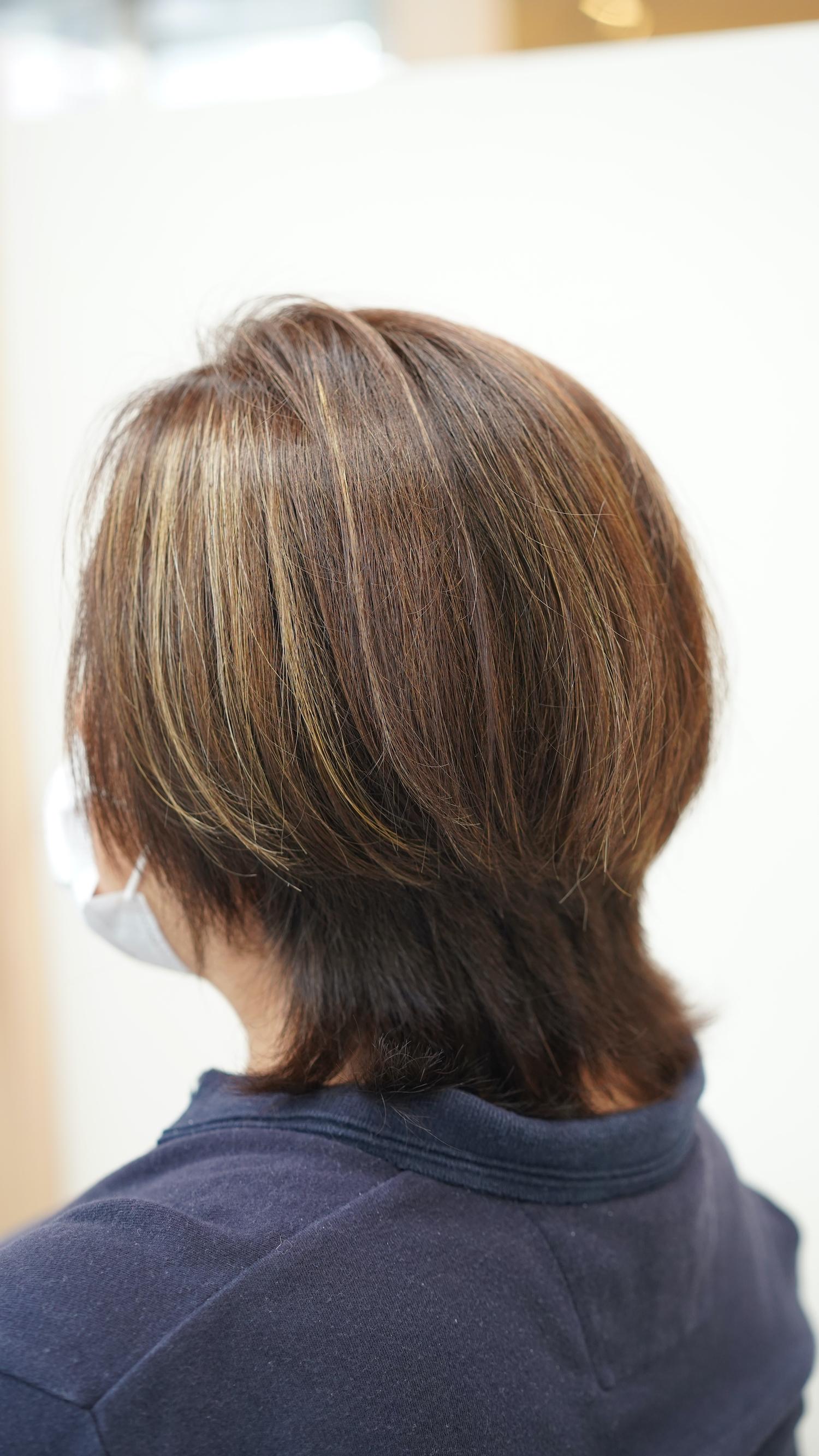 横から見たシルエットも髪型は大事です。
